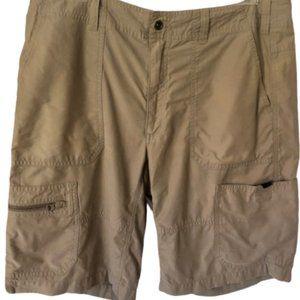 Eddie Bauer 6 pocket Cargo Shorts Light Olive - 36